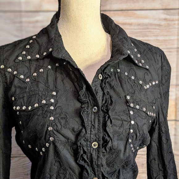 Parasuco Tops - Parasuco button-up textured blouse with studs, M